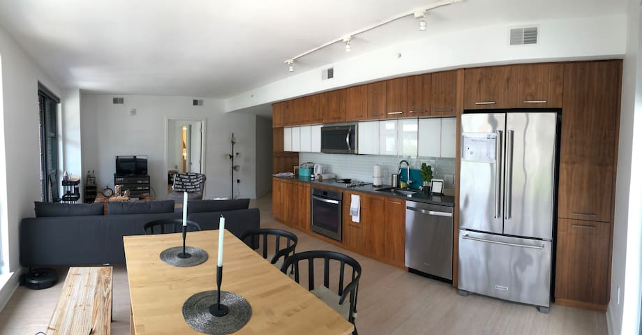 TOP Design, Modern and Well Located APT Navy Yard