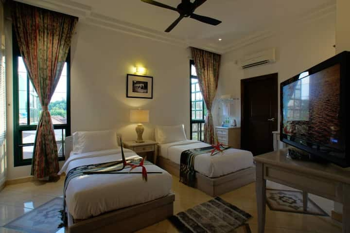 Two Bedroom Suite@Kinta Bali Villa