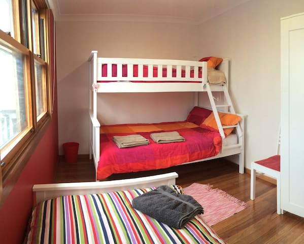 Bright and spacious bedroom for 4