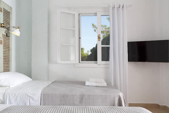 Ferma Hill Apts - Apartment #1 (2 people)