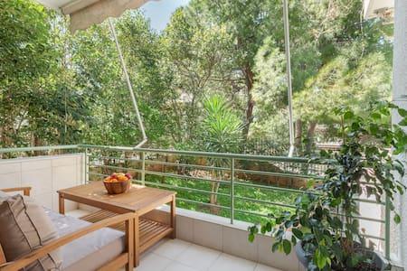 Romantic love-nest in Athenian Riviera, near beach