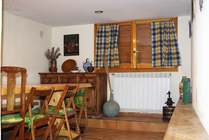 CASA DE PUEBLO CON MUCHO ENCANTO - Fitero - House