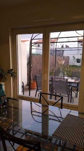 Loue maison T4, Vaucluse pour le mois de Juillet - Pernes-les-Fontaines - Hus