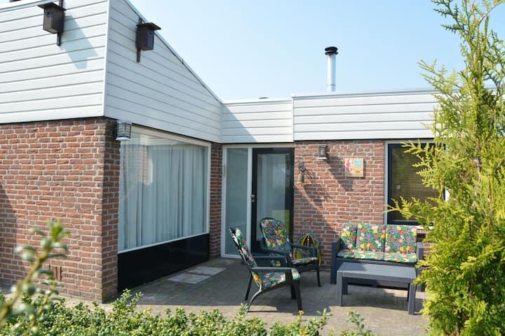 Lovely Home in Noordwijkerhout near Seabeach