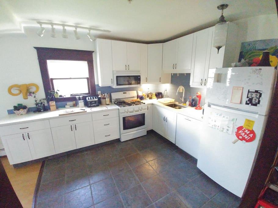 Brand new fridge, dishwasher, microwave. Toaster. Blender. Pots/pans, etc.