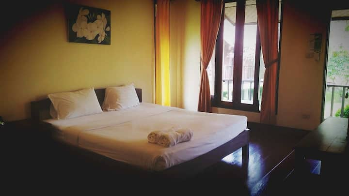 Pai Do See Resort(Double Bed With A/C)