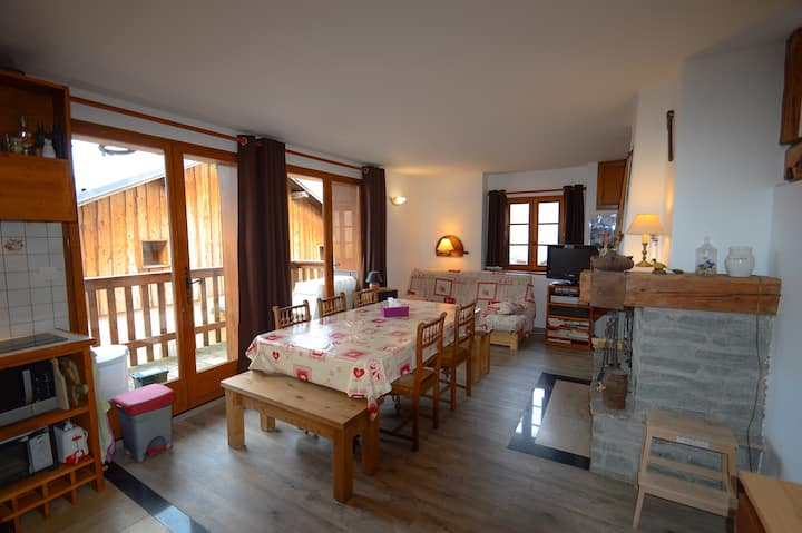 Apartment 6 people, near Courchevel