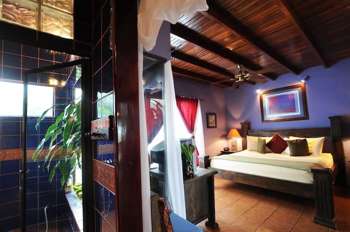 Mariposa Room Casa Bella Rita #1 B&B Costa Rica - Brasil - Bed & Breakfast