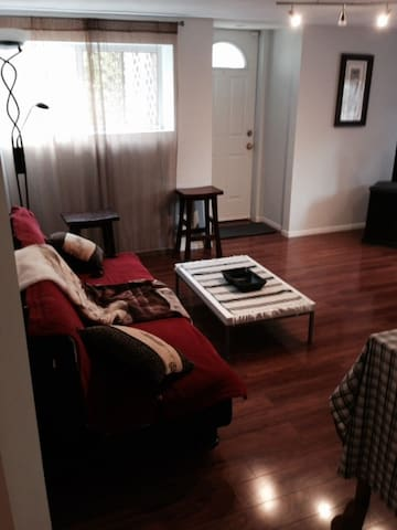 Comfort and convenience staying in Vancouver area. - Port Moody - Apartamento