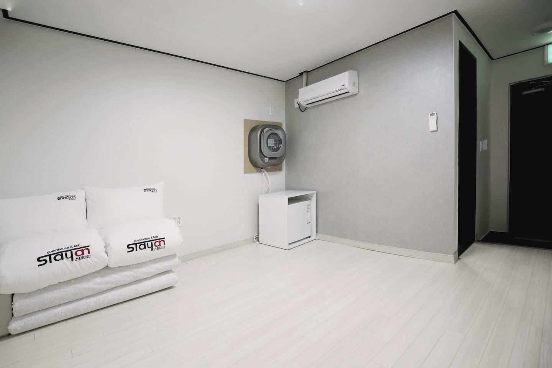 온돌방 Floor heated room