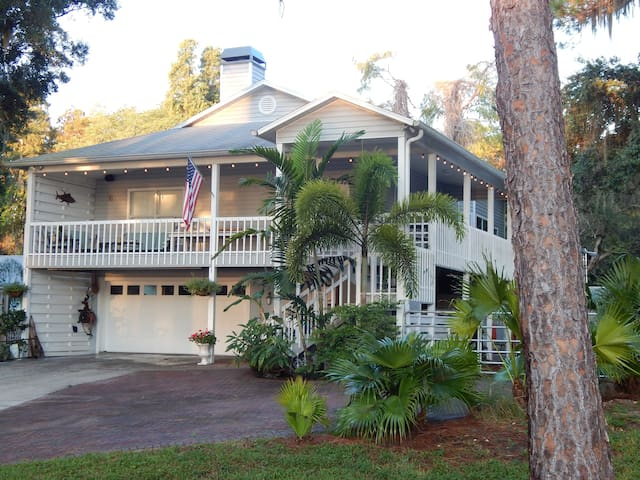 Lakeview Lodge - Tarpon Springs - Casa