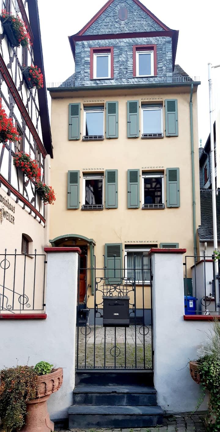 Service Apartment with Breakfast in  Marktplatz