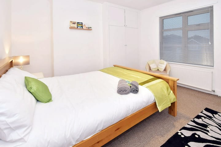 Townhouse @ Hanley Road Stoke - Double Room