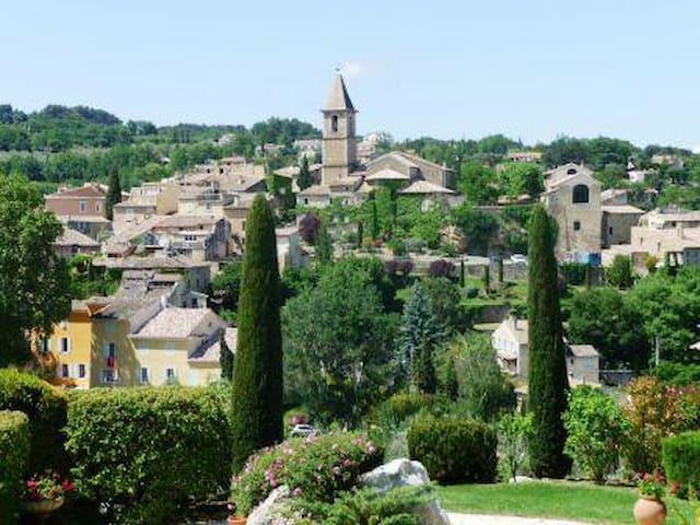 """Gîte """"Calme et Soleil"""" en Drôme Provençale - Mirabel-aux-Baronnies - Appartement"""