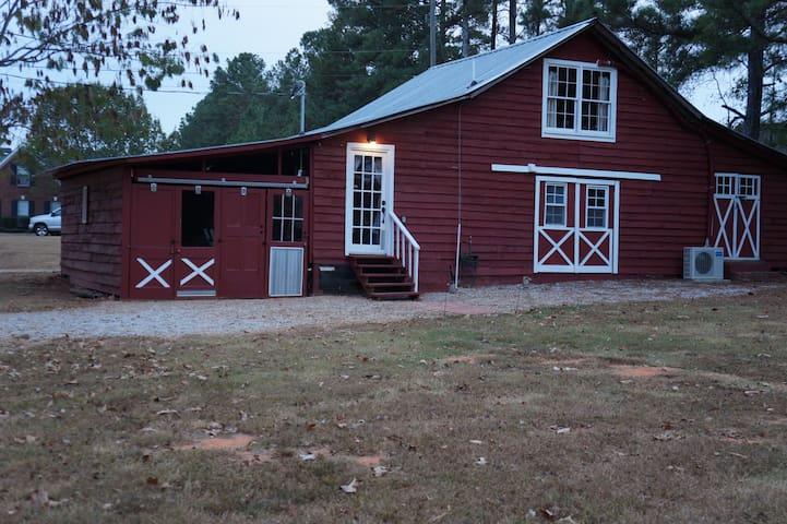 Selah Barn, a cozy and quiet retreat