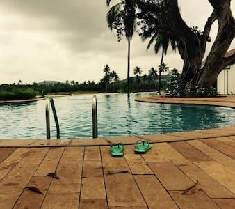 Riviera Sapphire,  Goa