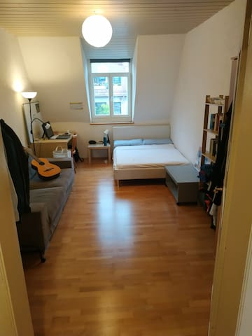 Cozy and Cheap room in Giesing