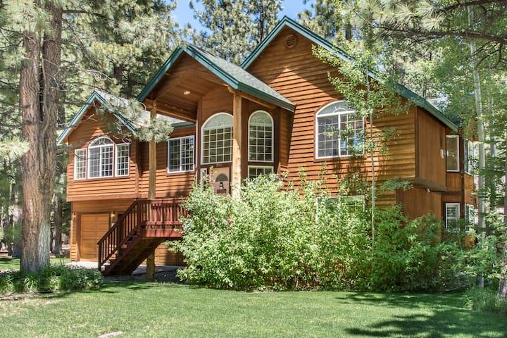 Home by the Woods in So Lake Tahoe - South Lake Tahoe - House