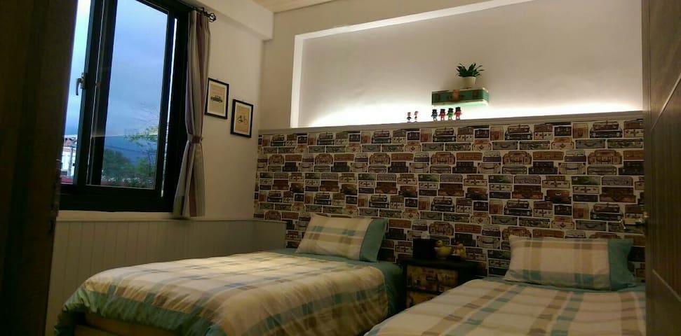 *花蓮小阿姨的家*雅緻雙人房(單人床2張)獨立衞浴  另有二個房源提供 - Hualien City - Гестхаус