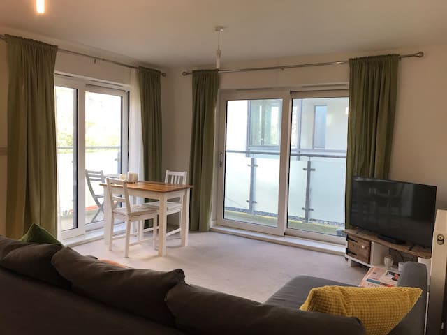 Double room with private bathroom near station