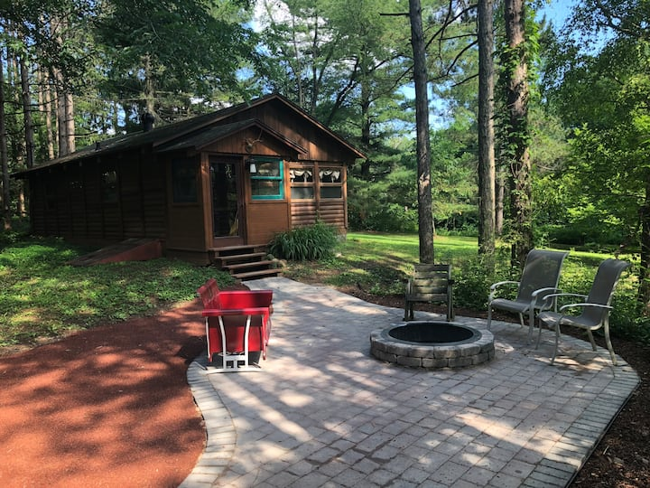 Kettle Moraine Cabin at Pine Knolls