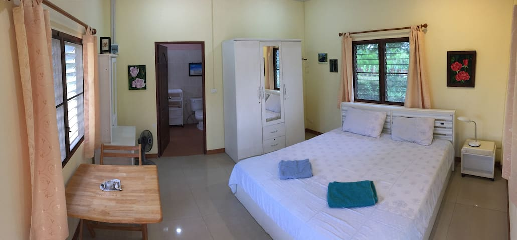 Bungalow in the lush green Hills near Khao Yai