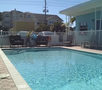 Maderia Beach, Fl. with bath/standup shower - Madeira Beach