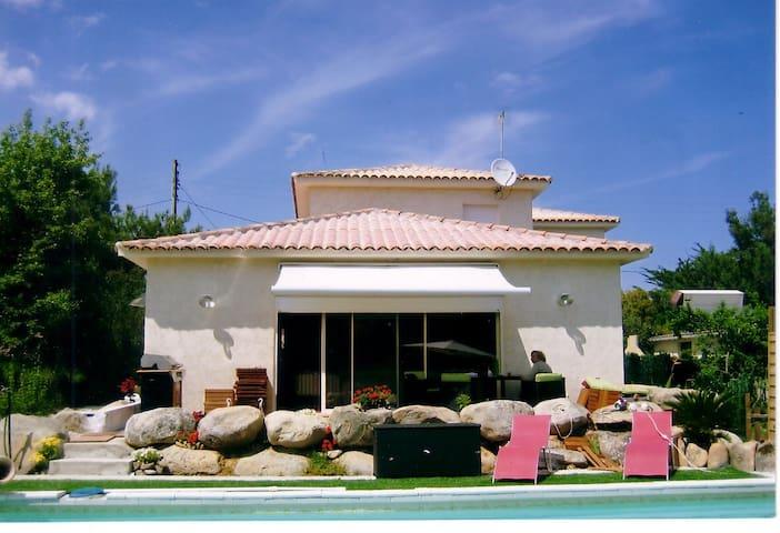 Belle villa piscine chauffée spa - Solaro  - Villa