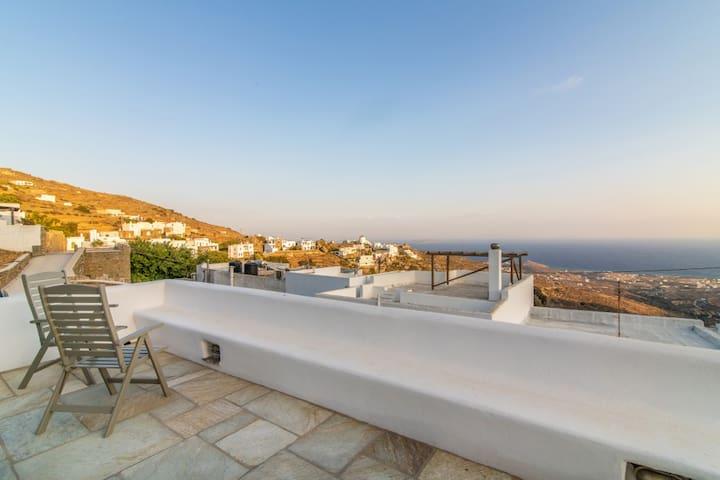 Τriantaros Home