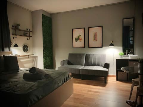 *NEW*  / Urban studio- apartment/ Vibrant district