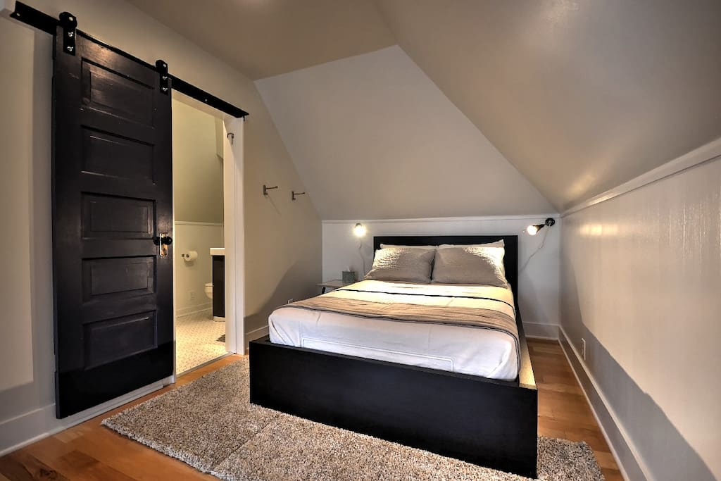 Comfy full sized bed