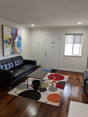 Newly renovated 1 bdrm suite (main floor)!