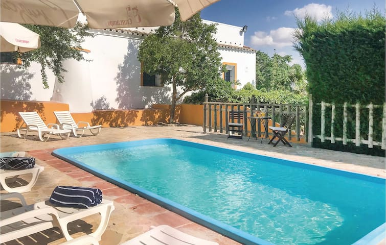 Holiday cottage with 5 bedrooms on 180m² in Osuna