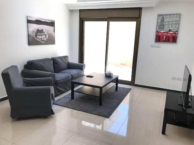 Modern Cozy Apt with Amazing Amenities