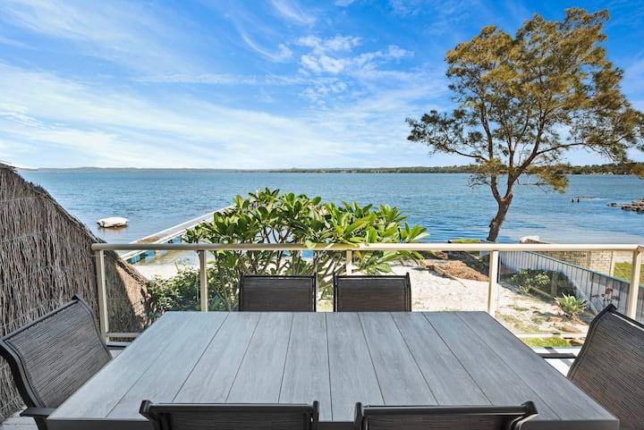 Sandy Feet Retreat Direct Beach style Lake access