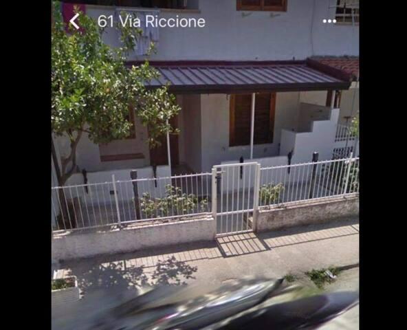 Affittasi Villino nel centro del villaggio Carrao