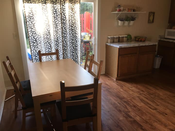 Quiet Home, Twin Bed, And Interstate Access