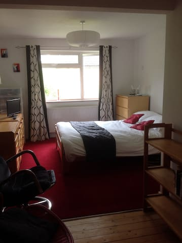 Double room for single occupancy & ensuite shower