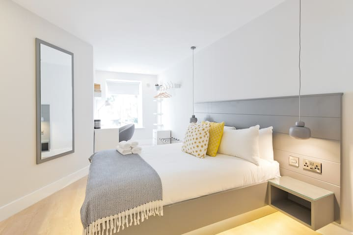 Perfectly located modern bright 1 bed in Dublin 4