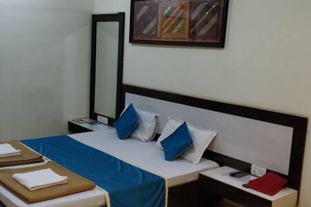 SEA WINDS - THE BEACH HOTEL .....GUHAGAR
