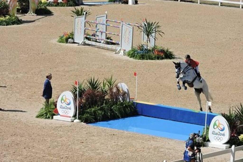 1 Miles to International Equestrian Center