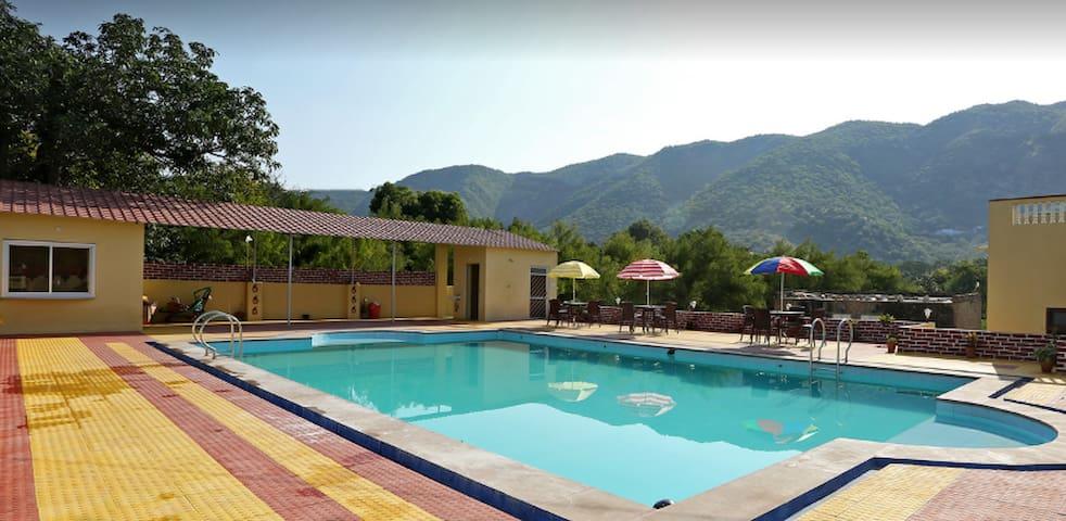Villa in Pushkar Resort 8 - Pushkar - Cabaña en la naturaleza