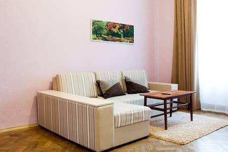 Дорошенка 35, в центрі Львова - 利沃夫 - 公寓