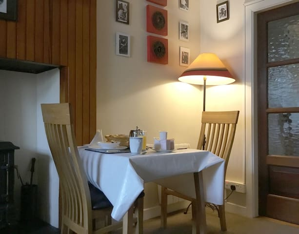 Brid's Place - stay in a home in West Clare