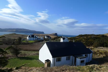 Wild Orchid Cottage, Skye, self-catering cottage - Struan - House - 2