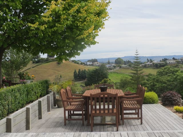 **Country views, Close to town, Peaceful setting** - Tauranga - Hus