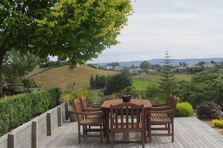**Country views, Close to town, Peaceful setting** - Tauranga - Haus