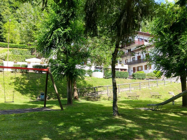 "Holiday home ""LeCoronelle"" in Malè Val di Sole - Malè - Apartamento"