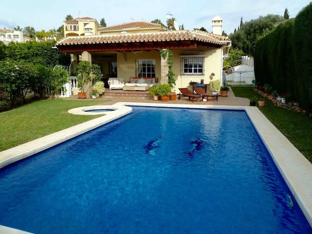Beautiful family villa with pool