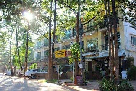 Beautiful Room Free PickUp - Krong Siem Reap - Bed & Breakfast